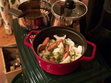ローズマリー風味ポテト&オニオンオーブン焼き