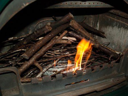 薪ストーブの着火